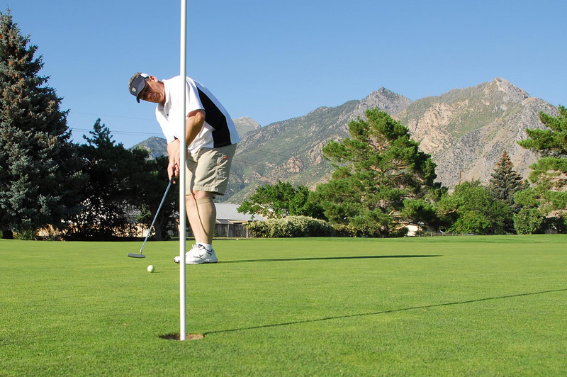 6/26/07 – I had a chance to play nine holes of golf after work. It was a horrible round but it was still fun.