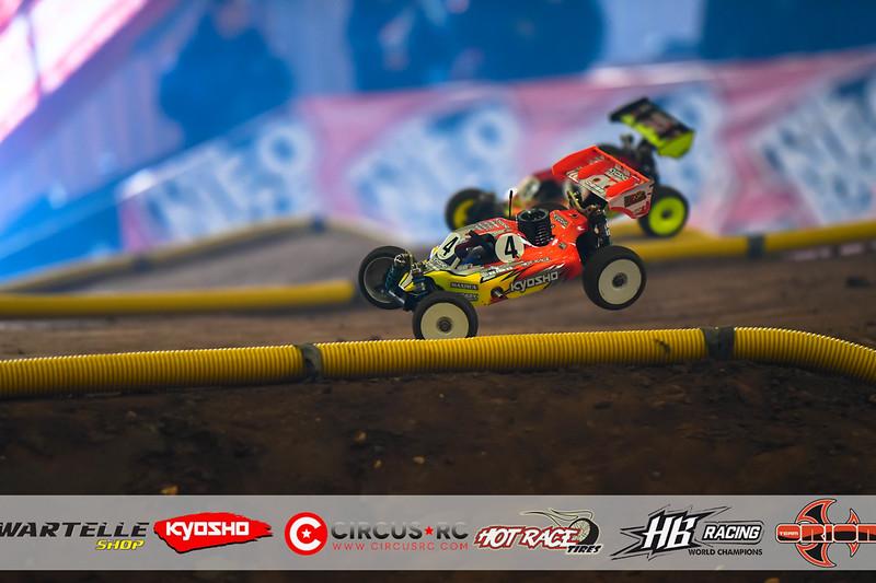 neo race track pits40.jpg