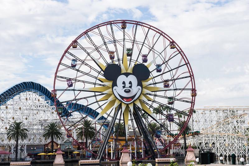 2016-11-19 Disneyland 014.jpg