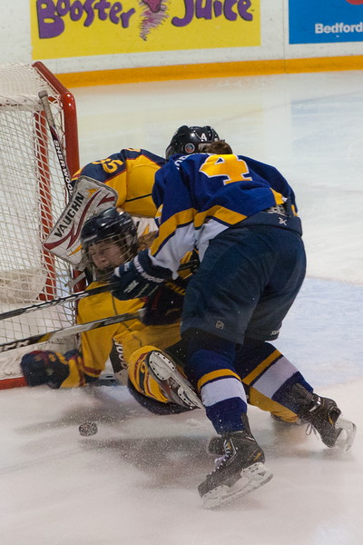 20130310 QWHockeyvsUBC 675.jpg