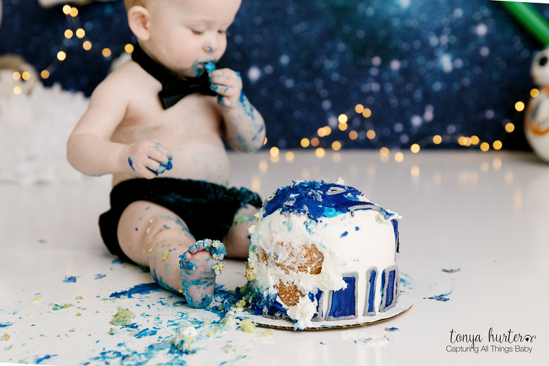 Oliver-1stBday-Low-Resolution370A2218-Edit_.jpg