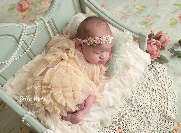 Vivienne's Newborn Gallery