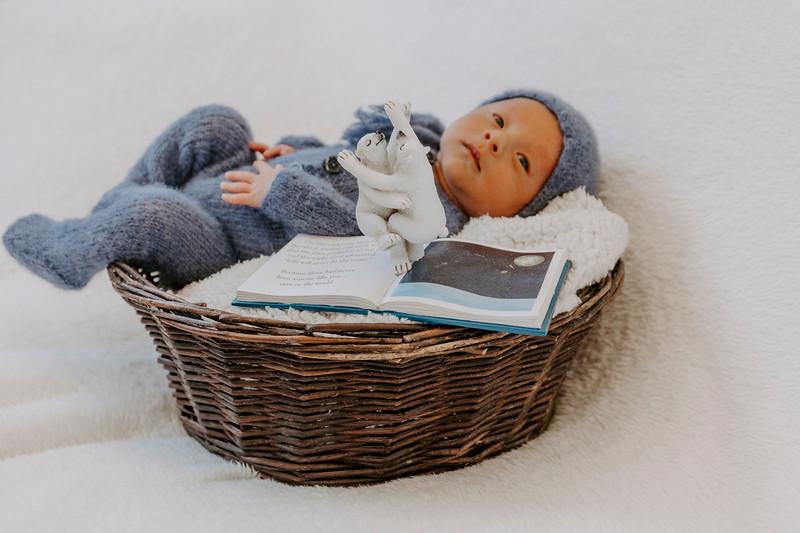 newborn-harrison_21.jpg