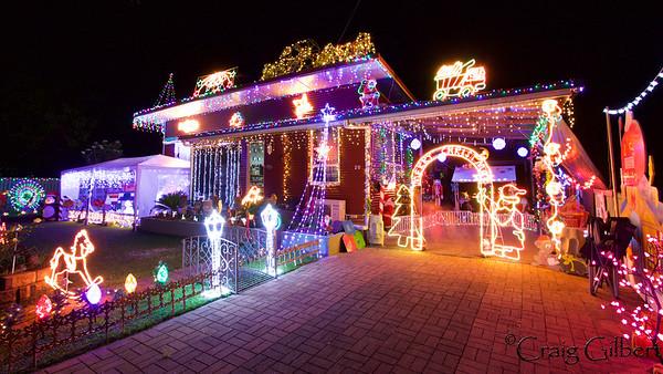 Jason and Felica Burridge Christmas Lights 2015