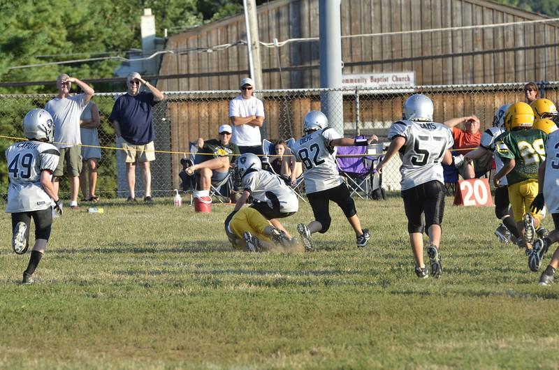 Wildcats vs Raiders Scrimmage 091.JPG
