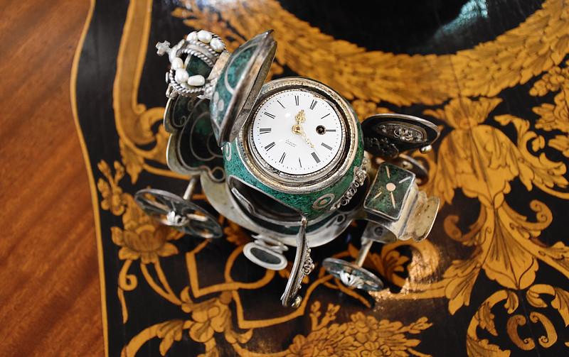 D55_0066 Antique Clock Emporium.jpg
