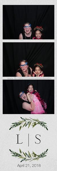 ELP0421 Lauren & Stephen wedding photobooth 126.jpg