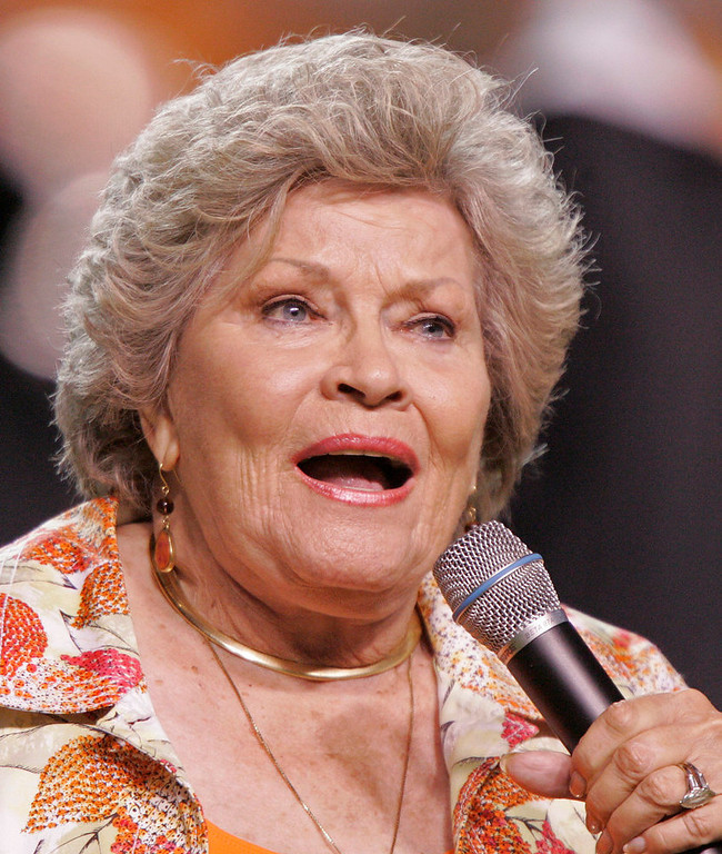 ". Singer Patti Page sings ""Tennessee Waltz\"" during halftime at an NCAA college football game between Tennessee and Ohio, Saturday, Sept. 26, 2009, in Knoxville, Tenn. (AP Photo/Wade Payne)"