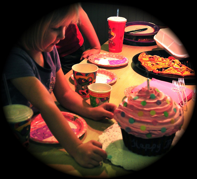 73/365 Happy Birthday  Emma (and Ingvild!!!)