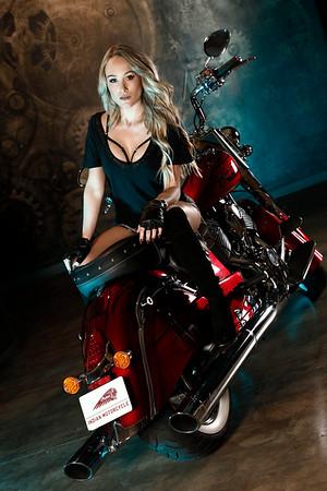 Indian Motorcycle Vixen - Kelly Roux