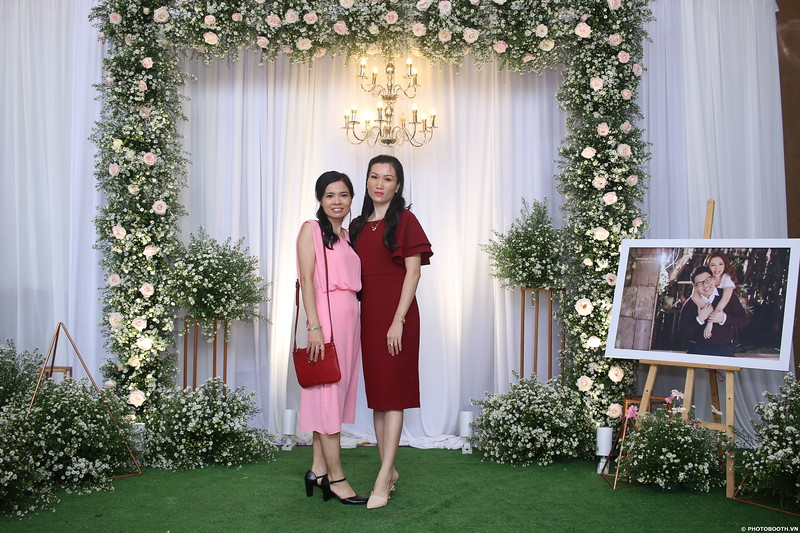 Vy-Cuong-wedding-instant-print-photo-booth-in-Bien-Hoa-Chup-hinh-lay-lien-Tiec-cuoi-tai-Bien-Hoa-WefieBox-Photobooth-Vietnam-062.jpg