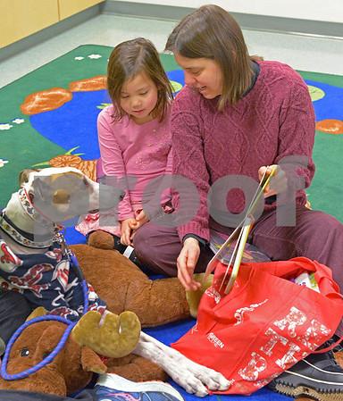 La Grange Park Public Library kids read to dogs