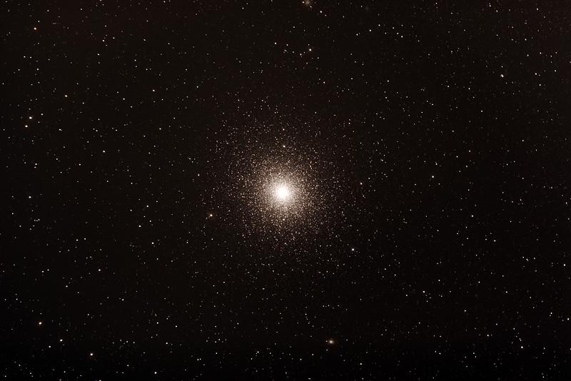 Caldwel C106 - NGC104 - 47 Tucanae Globular Cluster in Tucana - 16/10/2015 (Processed stack)