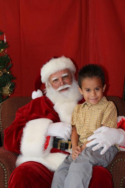 Santa Clause 27NOV2010-133.JPG