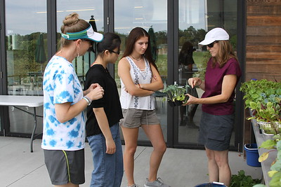 International Student Garden Tour