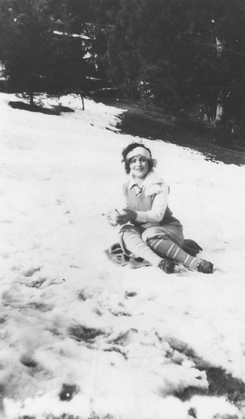 1928, Playing in the Snow