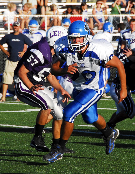 9/21/07 – This weekend is Pleasant Groves Home Coming. This shot is of Sean going out for a pass in the Junior Varsity game played at Lehi. PG ran away with the game winning easily.
