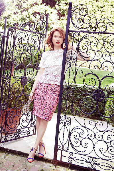 stylist-jennifer-hitzges-magazine-fashion-editorial-creative-space-artists-management-2-ellie-kemper-mei-tao-photoshoot-for-redbook_7.jpg