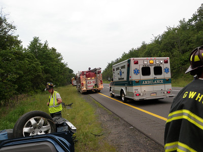 BUTLER TOWNSHIP MM 122 INTERSTATE 81 VEHICLE ACCIDENT w/ ENTRAPMENT 6-20-2011 PICTURES BY MARK CUTTIC
