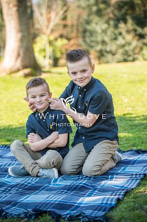 Laura Family Photoshoot FB