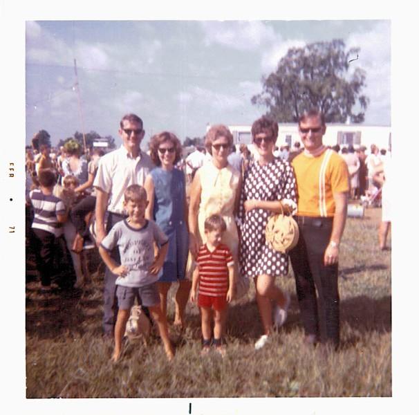 1970-09-07-LaborDay-Hilton&BrakeFamilies.jpg