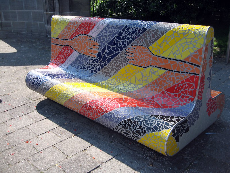Mosaic bench outside the Vredespaleis (Peace Palace)