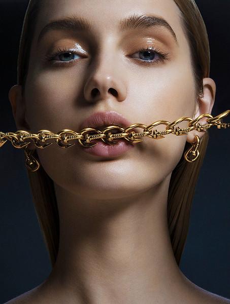 MakeUp-Artist-Aeriel-D_Andrea-Beauty-Creative-Space-Artists-Management-19-Jewelry.jpg