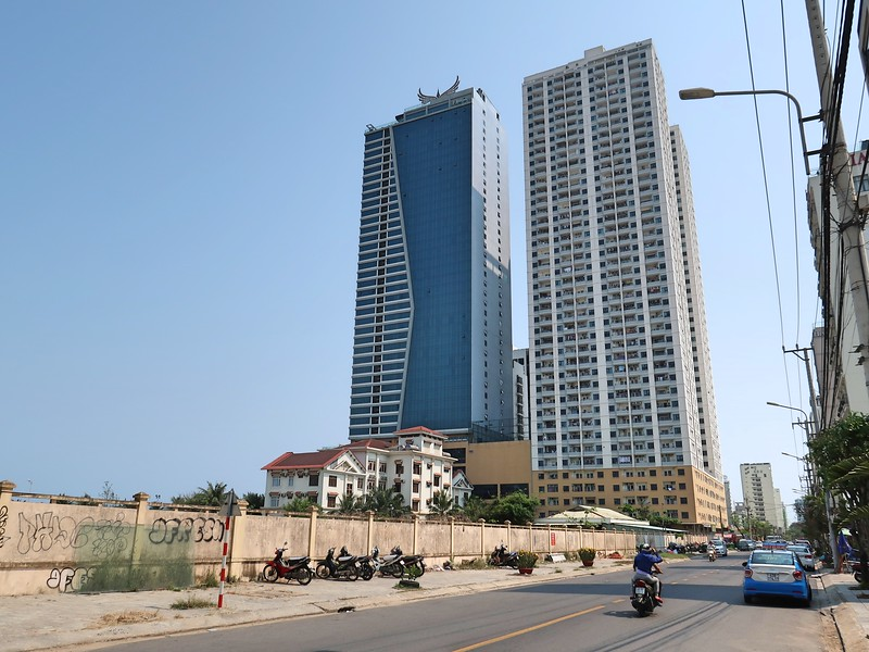 IMG_3452-muong-thanh-and-apartment-tower.jpg