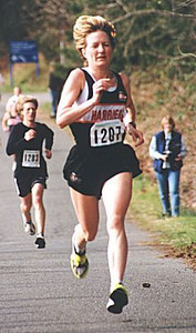 2000 Hatley Castle 8K - Ulla Marquette finishes strong