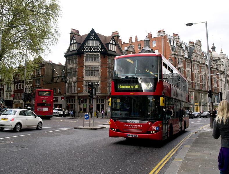 Street Scene London -12.jpg