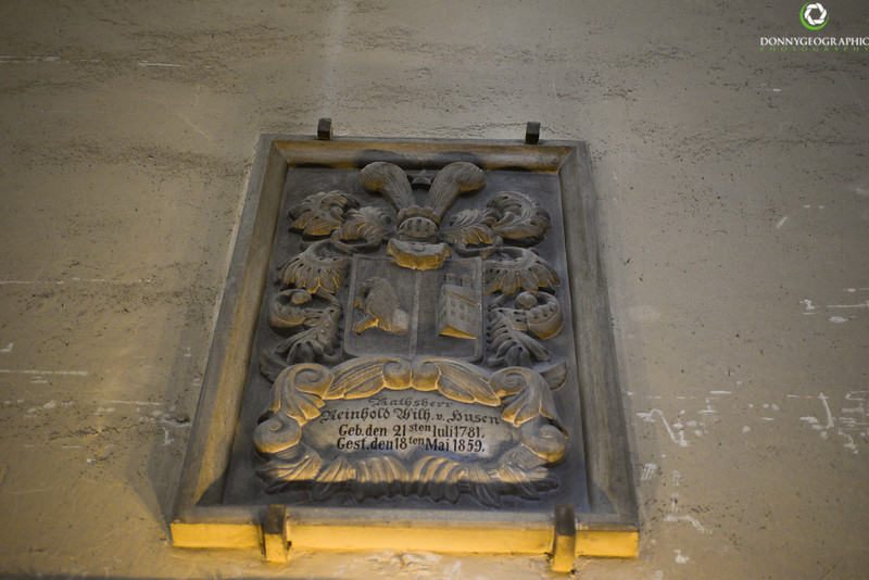 Wall plaque dated 1781.jpg