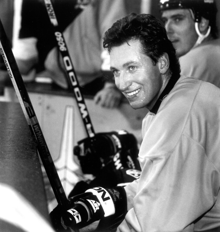 . Wayne Gretzky watches the action while taking a break during practice on 1/11/95.   L.A. Daily News file photo