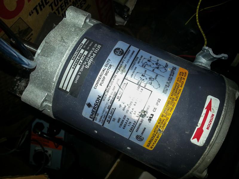 Classic 1ph dual voltage pump motor. Torquey! (Cap start, cap run).