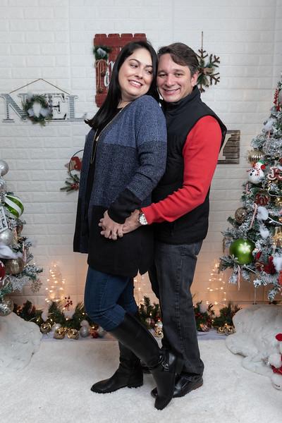 12.21.19 - Marceli's Christmas Photo Session 2019 - -7.jpg