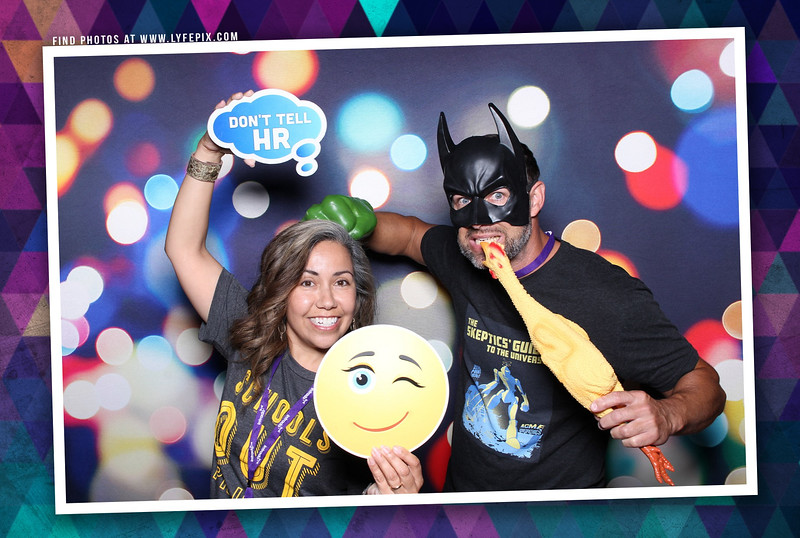 schoolmessenger-nspra-newseum-dc-photo-booth-183506.jpg
