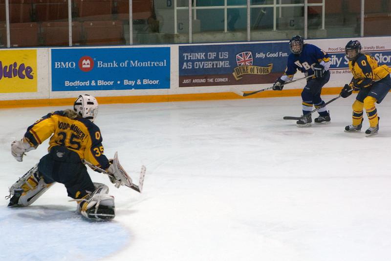 20130310 QWHockeyvsUBC 279.jpg