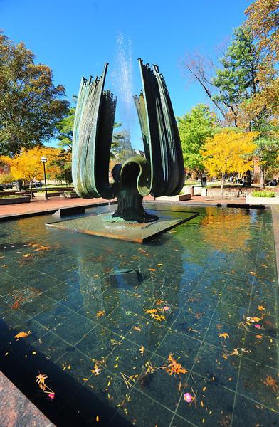 memorial fountain2263.jpg