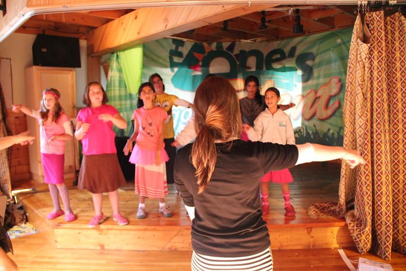 kars4kids_thezone_camp_girlsDivsion_activities_DanceAerobics (19).JPG