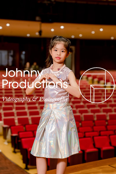 0085_day 1_orange & green shield portraits_red show 2019_johnnyproductions.jpg