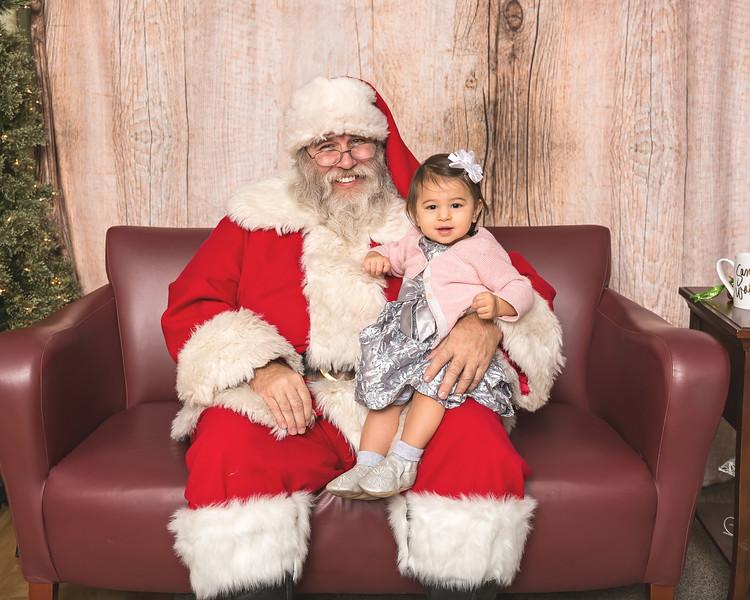 Ameriprise-Santa-Visit-181202-5051.jpg
