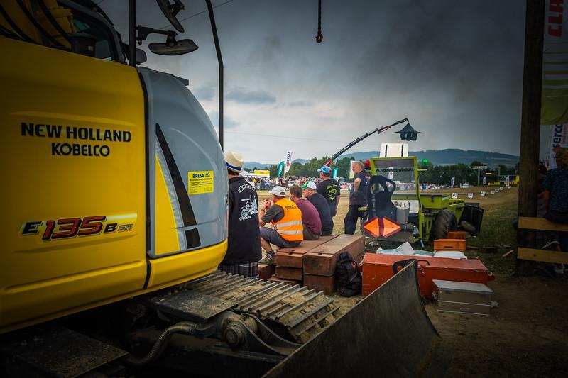 Tractor Pulling 2015 XE2-2611.jpg