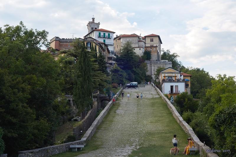 04 Sacro Monte.jpg