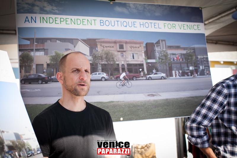 VenicePaparazzi-78.jpg