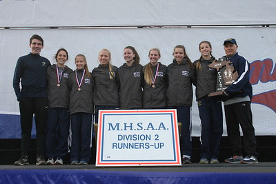 D2 Girls' Team Awards - 2018 MHSAA LP XC Finals