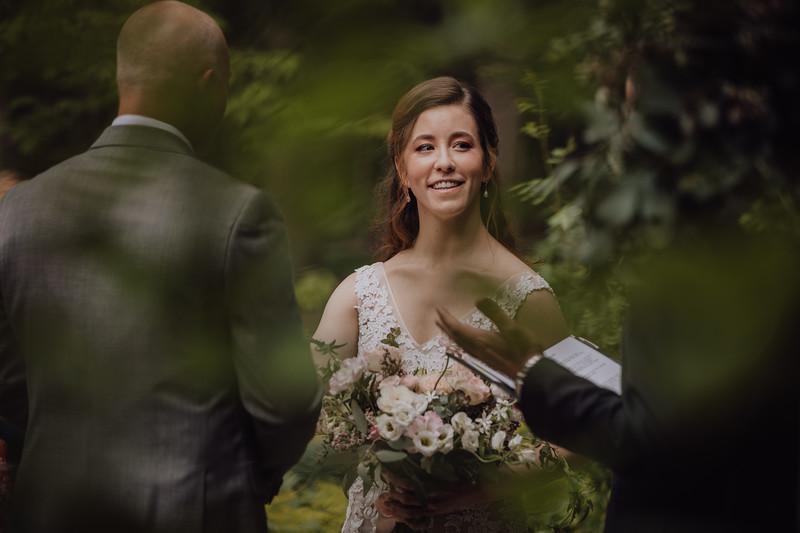 2018-05-12_ROEDER_JulieSeth_Wedding_ROEDER2_0025.jpg