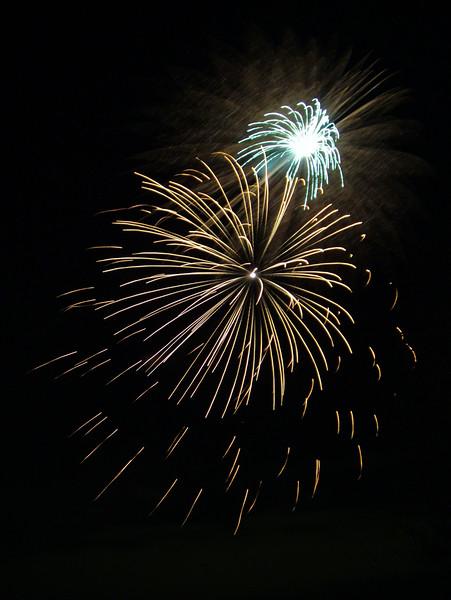 2005_1028tootingfireworks082_edited-1.JPG