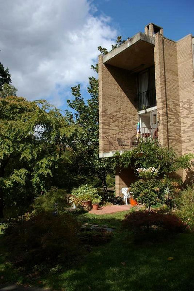Reston: Townhouse from the 1960s