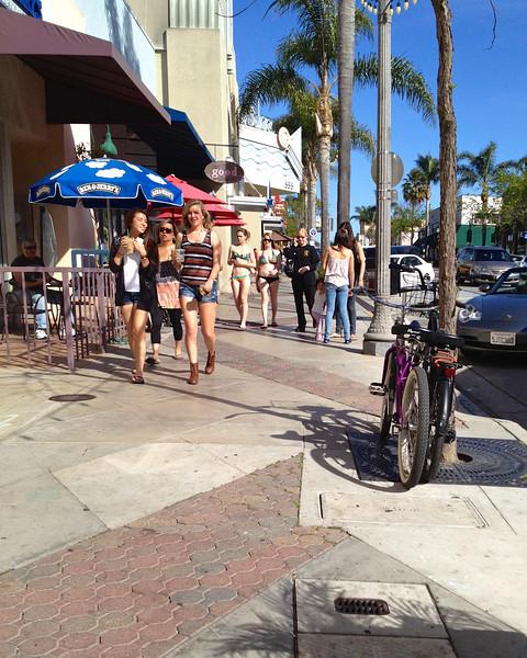 A warm sunny day in Ventura CA ref: 9b4c7b26-e0ce-4a97-a89d-dcc07ed98f65