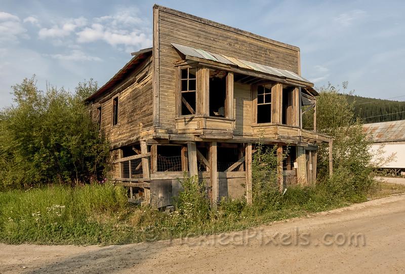 Strait's Auction House