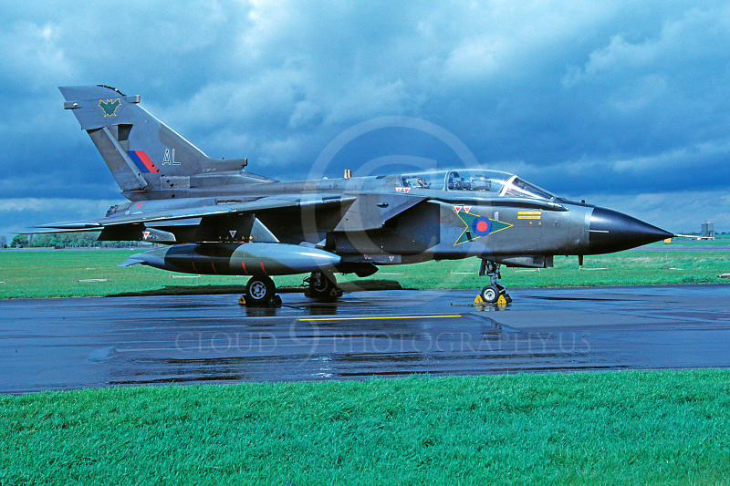 Panavia Tornado 00083 Panavia Tornado British RAF May 1989 via African Aviation Slide Service.JPG